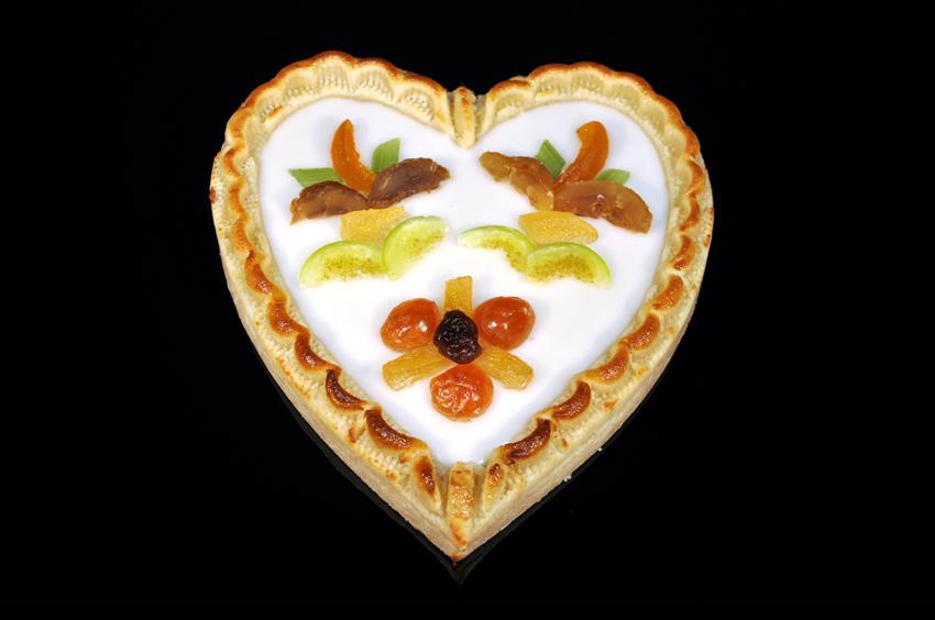 Königsberger Marzipan Torte - Herz - Fondant & kandierte Früchte 450 g
